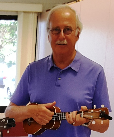 Steve takes lessons from Ukulele Mele