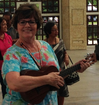 Susan takes lessons from Ukulele Mele